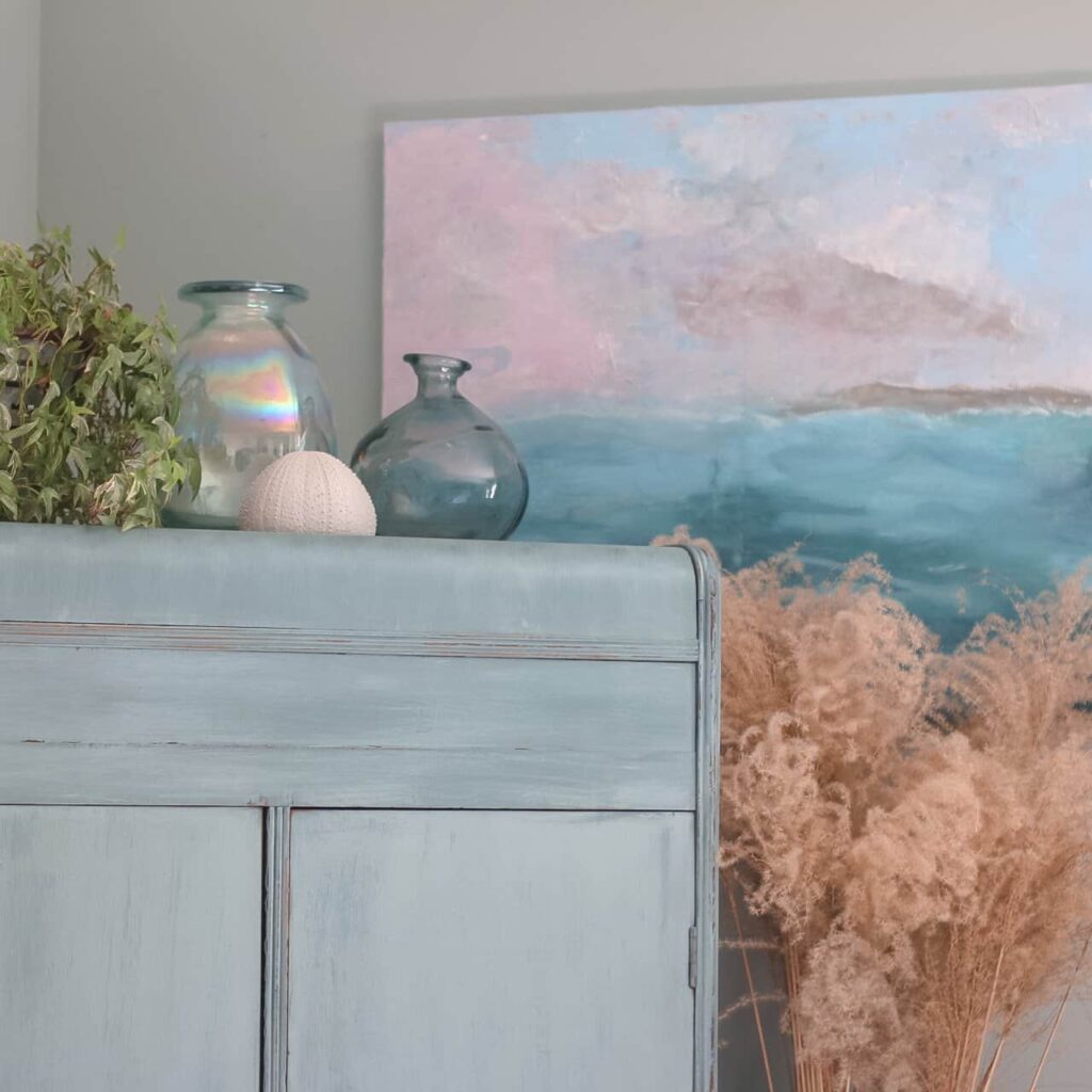 DECORATING IDEAS FOR SUMMER- SEASCAPE AND GLASS VASES